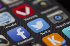 4 social media icons on smartphone 300x199 - 4-social-media-icons-on-smartphone